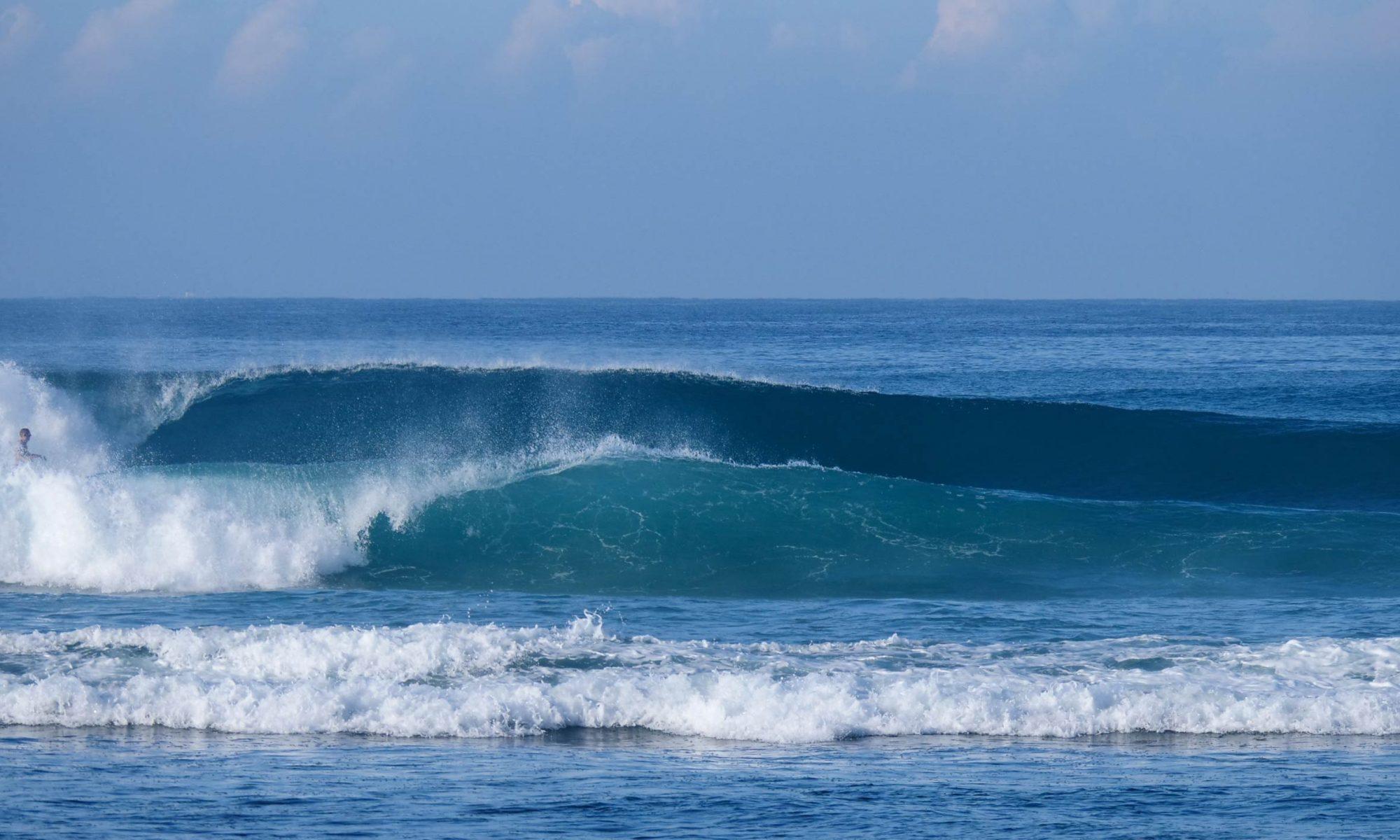 גלים מושלמים וריקים - טיול גלישה בסרילנקה