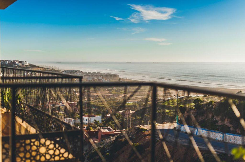 נוף לאוקינוס ממלון היוגי סרפר