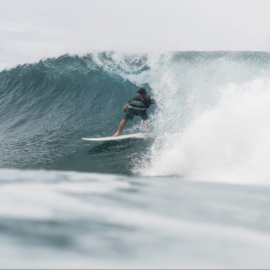 Maldives wave stole to the barrel